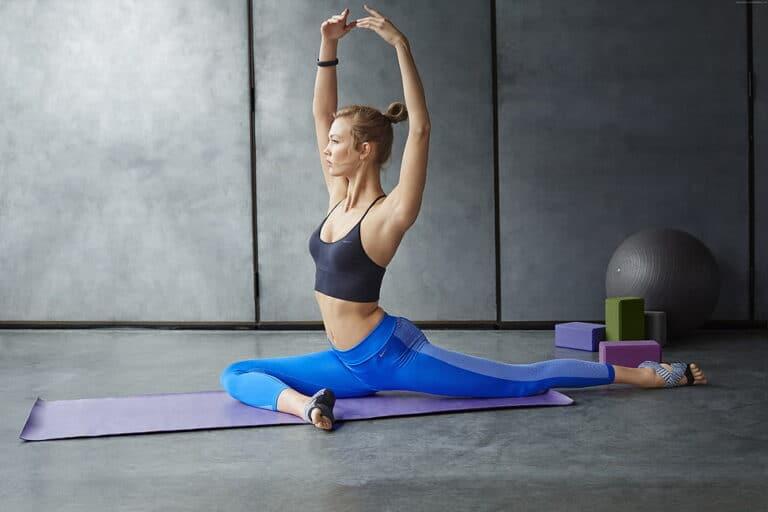 girl practising yoga using a eco friendly yoga mat