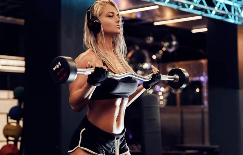 girl with best gym gloves under 500 INR